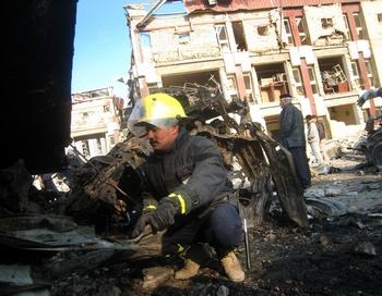 При взрывах в Багдаде погибли по меньшей мере 127 человек