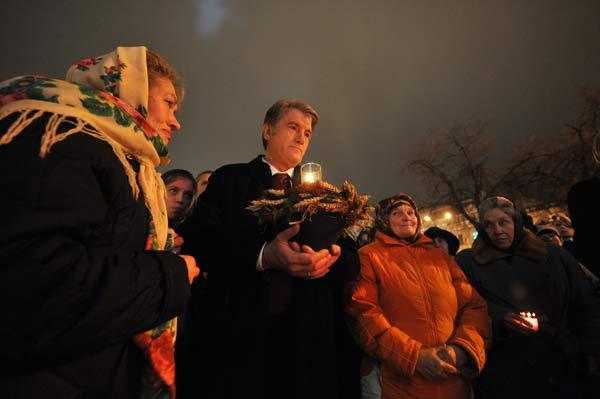 75 golod 8 - В Киеве прошло шествие памяти жертв Голодомора. Фоторепортаж