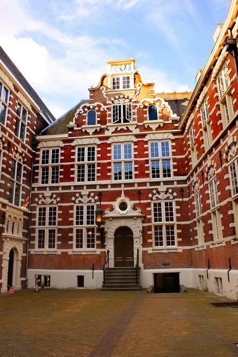 Школьникам: дни открытых дверей в университете Амстердама