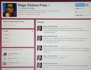 Уго Чавес правит страной через Twitter