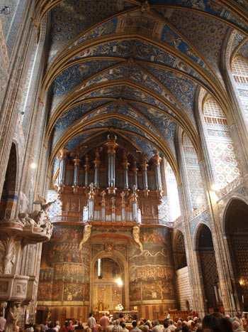 Торжество архитектурного искусства в соборе Святой Цецилии