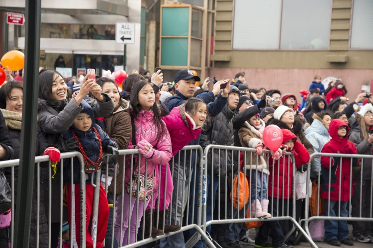 163 NG DaiBing2 190213 - Китайский Новый год встречают во Флашинге