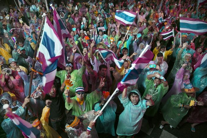 В Таиланде полиция выдала ордер на арест лидера протестного движения
