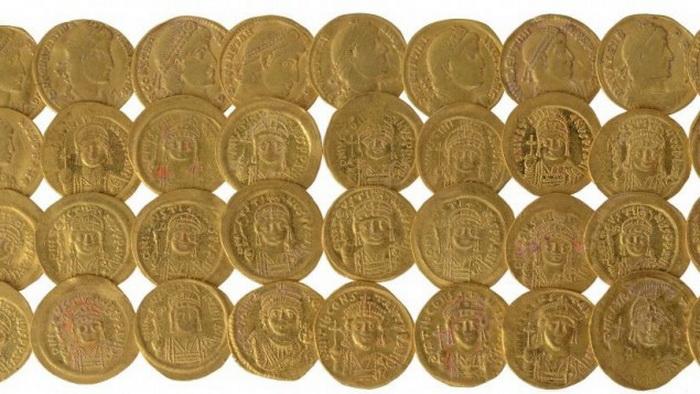 В Иерусалиме найдены золотые и серебряные украшения