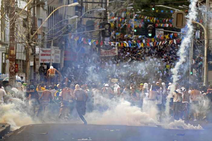 В города Кубка конфедераций в Бразилии отправят войска