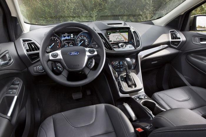 Ford Escape 2013 — универсальный внедорожник с изящным дизайном