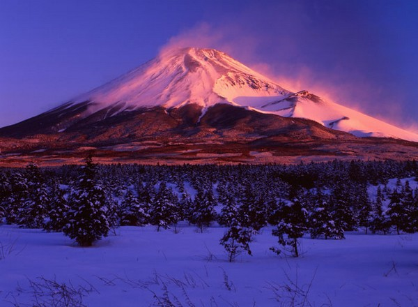 Вулкан Фудзияма пробуждается