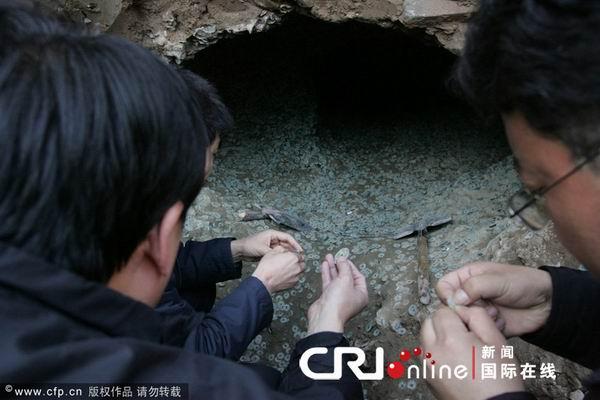 137 2312 qianjiao - В Китае в провинции Шэньси нашли огромный клад старинных монет