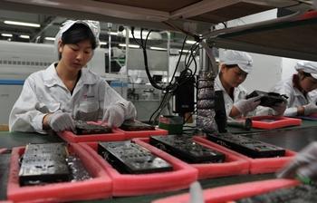 Более 100 человек отравились гексаном на китайском заводе-поставщике компании Apple