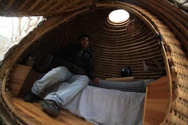 Китаец построил дом-яйцо, чтобы не снимать квартиру