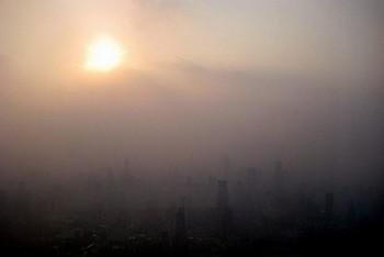 После ЭКСПО Шанхай снова покрывается смогом