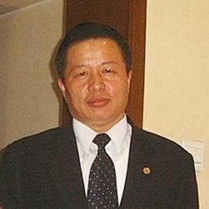 Китайский адвокат-мученик снова в центре внимания общественности