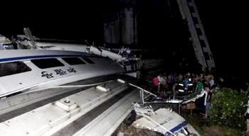 В КНР при крушении скоростных поездов погибли более 10 человек, госпитализировано около 90