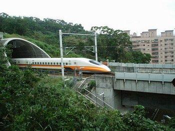 Строительство высокоскоростных железных дорог в Китае может стать полностью убыточным проектом