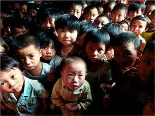161 AIDS 101212 03 - Опасная кровь: в провинции Хэнань уничтожили миллионы могил умерших от СПИДа