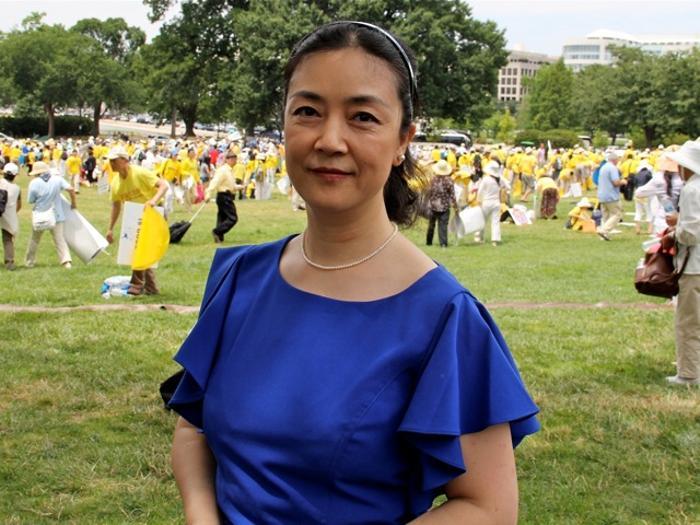 161 Erping Zhang 2 - Участники митинга в поддержку Фалуньгун говорят о переменах в Китае