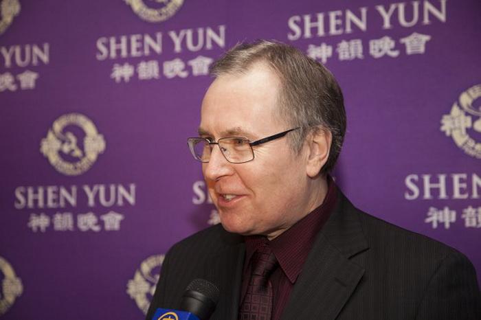 161 Stephen Woodworth - Член Парламента восхищён представлением Shen Yun