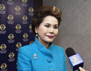 Бывшая первая леди Индонезии ещё раз посмотрела выступление Shen Yun