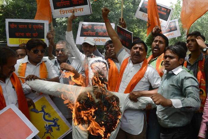 Визит китайского премьера в Индию вызвал протесты