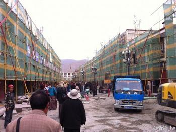 Китайский режим превращает тибетскую столицу в парк развлечений