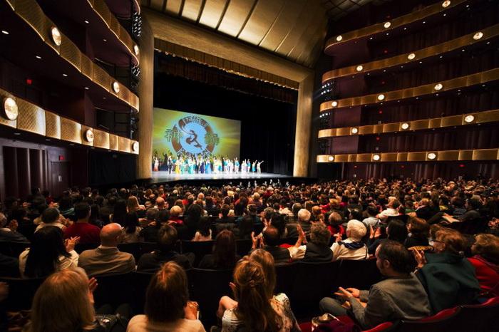 Запрещённый в Китае, Shen Yun с аншлагами выступает в Нью-Йорке