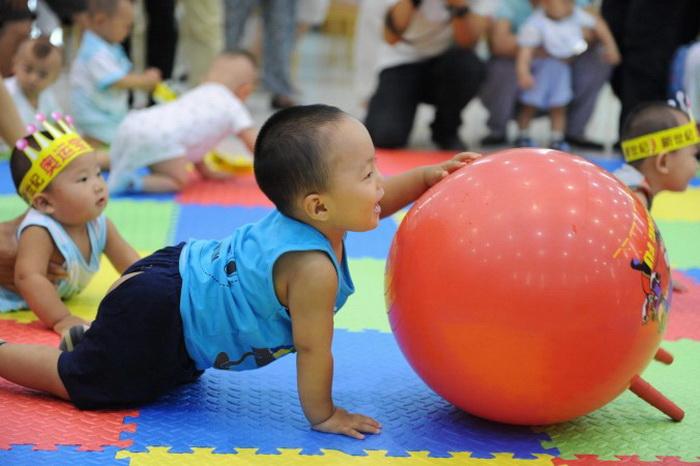 163 china babay - Китайских младенцев обучают деловому администрированию