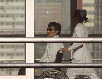163 shina advokad2 - Глава сил безопасности Китая руководит преследованием Чэня, заявляет эксперт