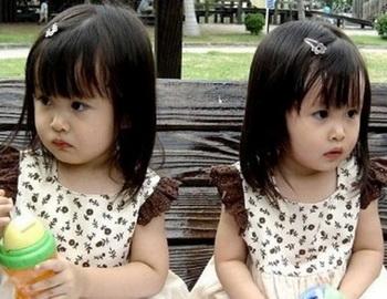 В Китае в одну школу поступили 8 пар двойняшек-первоклашек