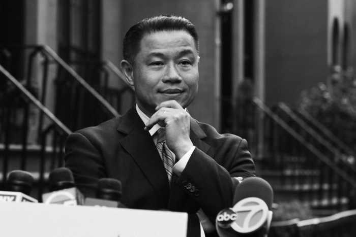 Помощники Джона Лю, кандидата на пост мэра Нью-Йорка, признаны виновными