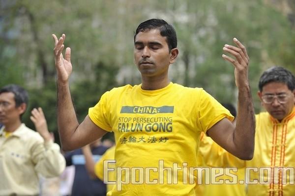 75 suman 3 - Рассказ иностранца: в Китае жёлтая футболка с надписью может создать угрозу правительству