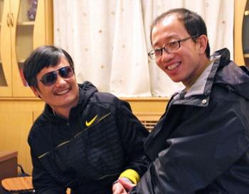 Слепой адвокат, пострадавший от китайского режима, ищет защиты у США