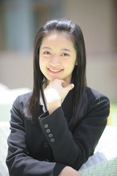Образ артиста Shen Yun: Ребекка Юйчэнь Цзян