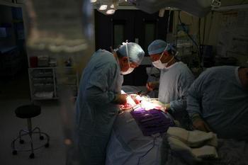 142 0809 haizi - Китайские медики слишком жадны до денег