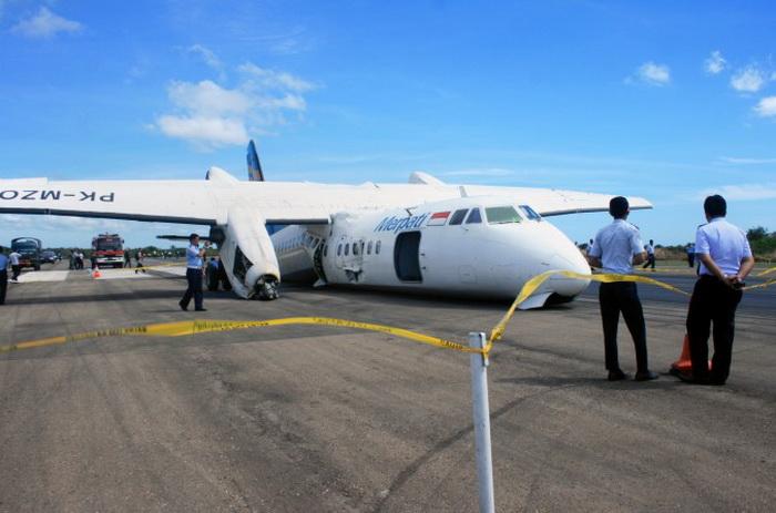 163 samolet china3 - Китайские самолёты — не покупают дома, разбиваются за рубежом