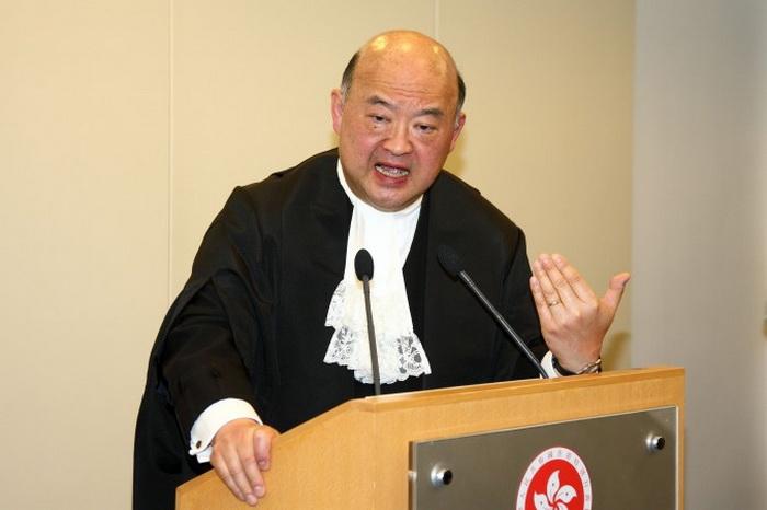 191 Legal Year 3 Poon ET 2 - Правовая элита поддерживает независимость судебной системы Гонконга