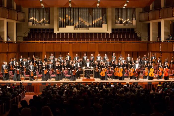 191 Simfoni orkestr - Симфонический оркестр Shen Yun начинает свой сезон