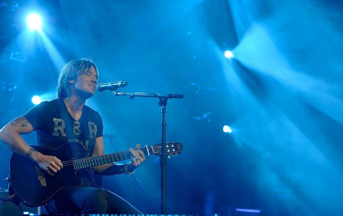 Благотворительный концерт музыки кантри Кита Урбана прошёл в Нэшвилле