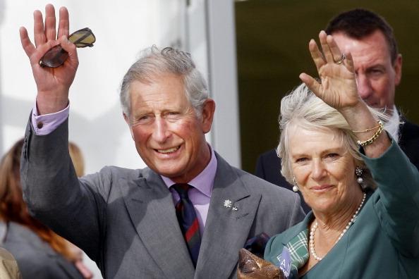 ygklmcherst5 - Фоторепортаж о принце Чарльзе и герцогине Корнуольской Камилле, посетивших ипподром в Шотландии
