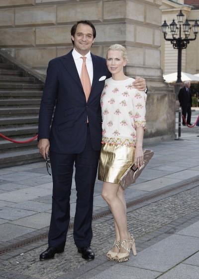 Фоторепортаж о принце Пруссии Георге Фридрихе Фердинанде и принцессе Софи, посетивших благотворительный концерт