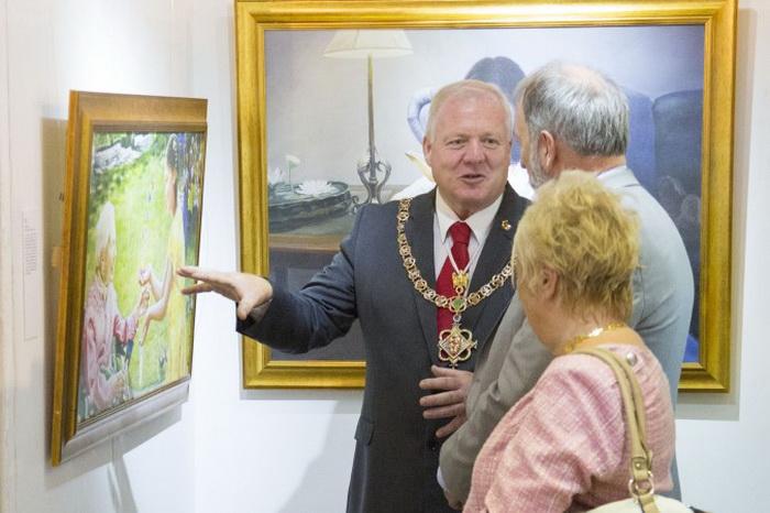Международная выставка китайского искусства в древнем замке Уэльса