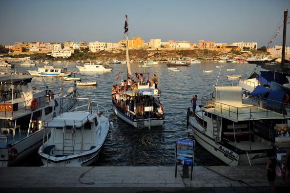 124lvsd25 - Фоторепортаж со средиземноморского острова Лампедуза