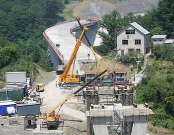 126 02 09 10 SOCHI - В Сочи застопорилось строительство дорожной развязки для Олимпийских игр