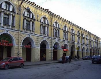 Малый Гостиный двор в Петербурге ушел с аукциона