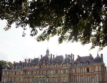 Из-за дефицита бюджета недвижимость Франции пойдет с молотка
