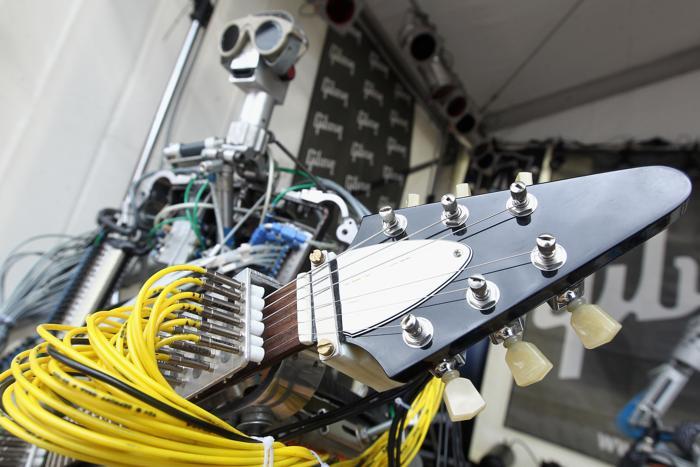 Гитары Gibson представили на международной выставке во Франкфурте
