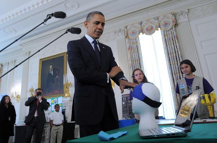 200 230413Obama 05 - Научная ярмарка прошла в Белом доме