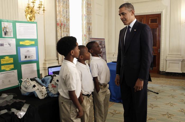 200 230413Obama 08 - Научная ярмарка прошла в Белом доме