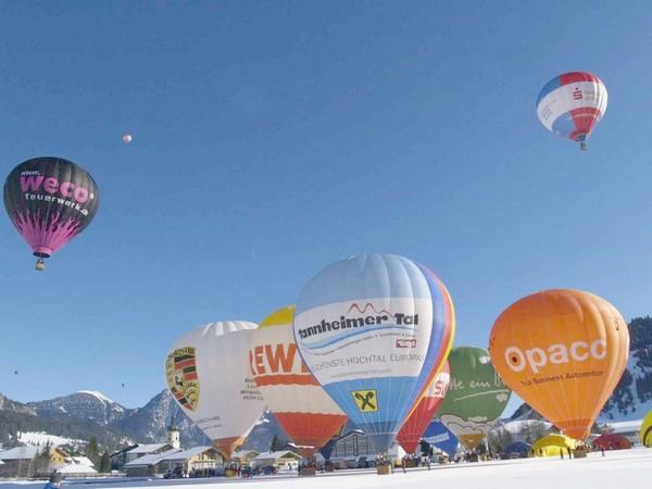 Фестиваль воздушных шаров в Альпах