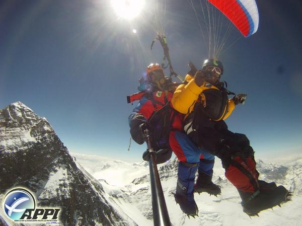126 08 03 12 pute2 - Невероятное путешествие двух непальцев отмечено премией