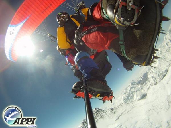 126 08 03 12 pute3 - Невероятное путешествие двух непальцев отмечено премией